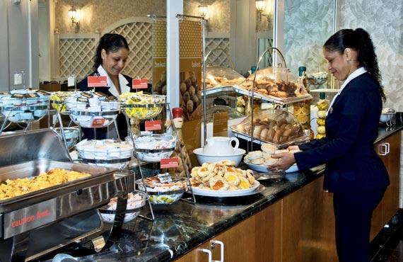 breakfast_buffet_