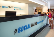 twitter-experience-hotel-sol-wave