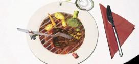 Инновации в ресторанном бизнесе: маленький 3D-повар в тарелке гостя