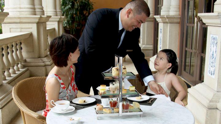 Уроки этикета для маленьких гостей
