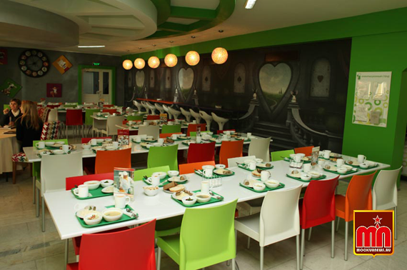 school-restaurant-3