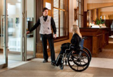 accessible-hotel-room