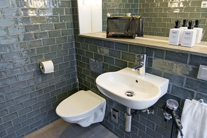 Ванная комната в номере отеля Scandic To Go