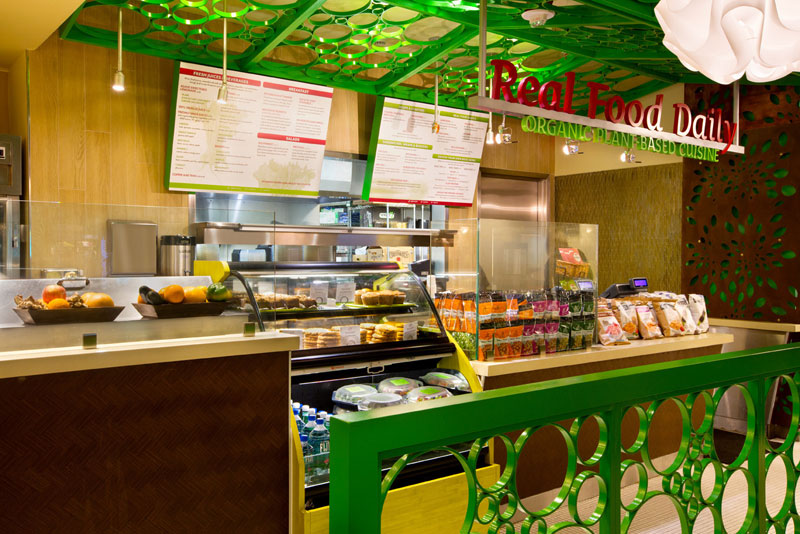 Ресторан со здоровой пищей в аэропорту Лос-Анджелеса