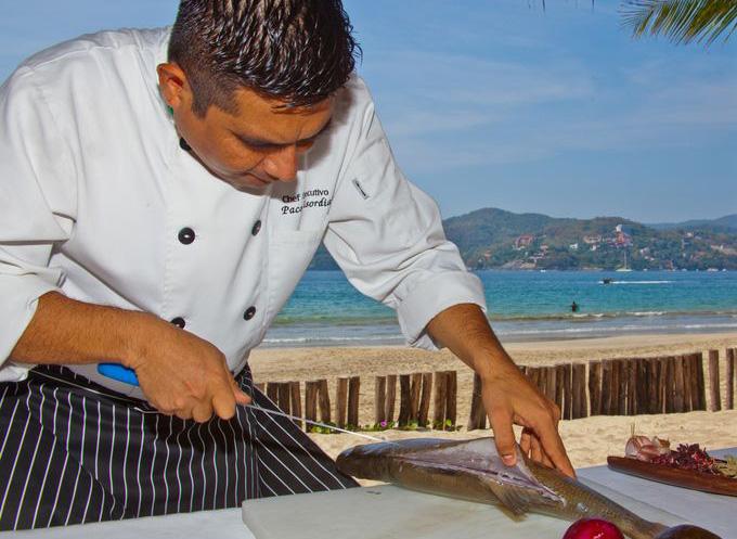 Шеф-повар приготовит улов гостя