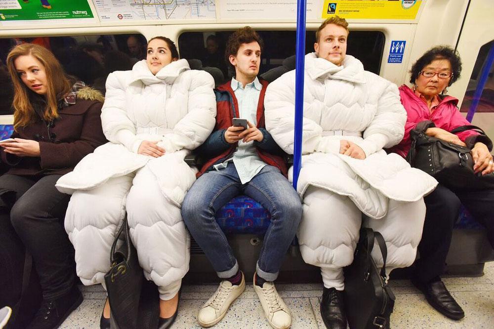 маркетинговый ход: костюм-одеяло
