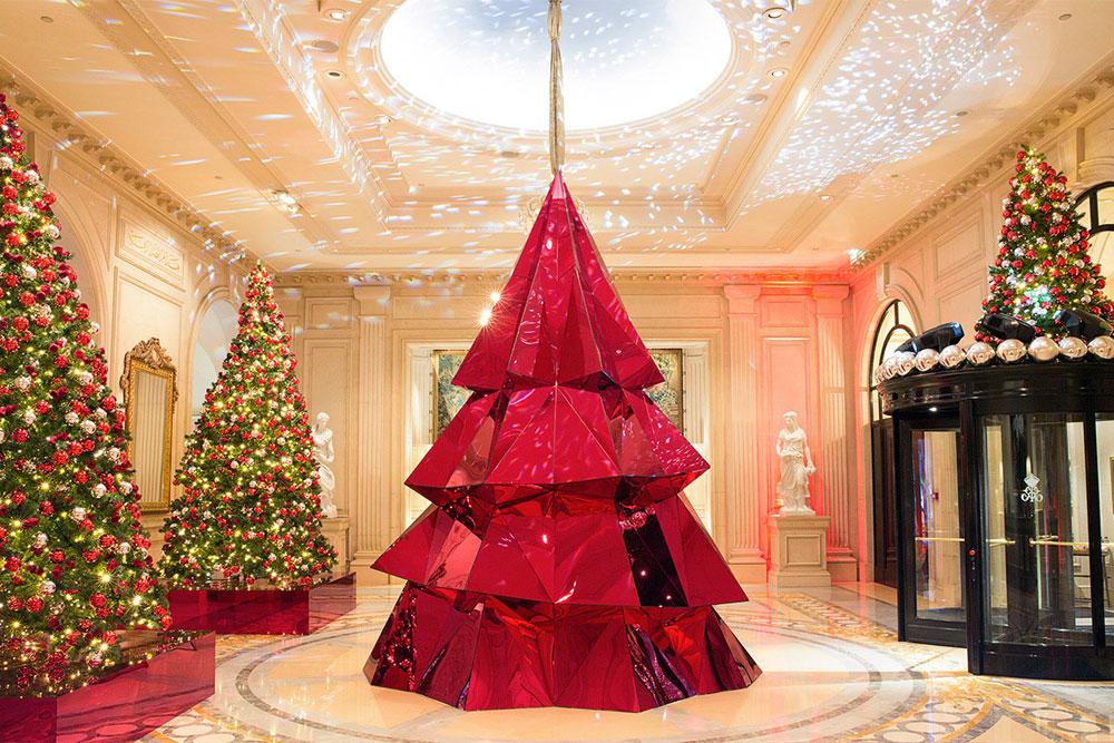 Новогодняя елка в Four-Seasons-Hotel-George-V