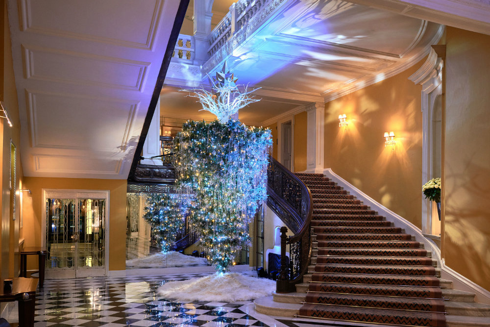 Claridges-Christmas-Trees-Through-The-Years-10