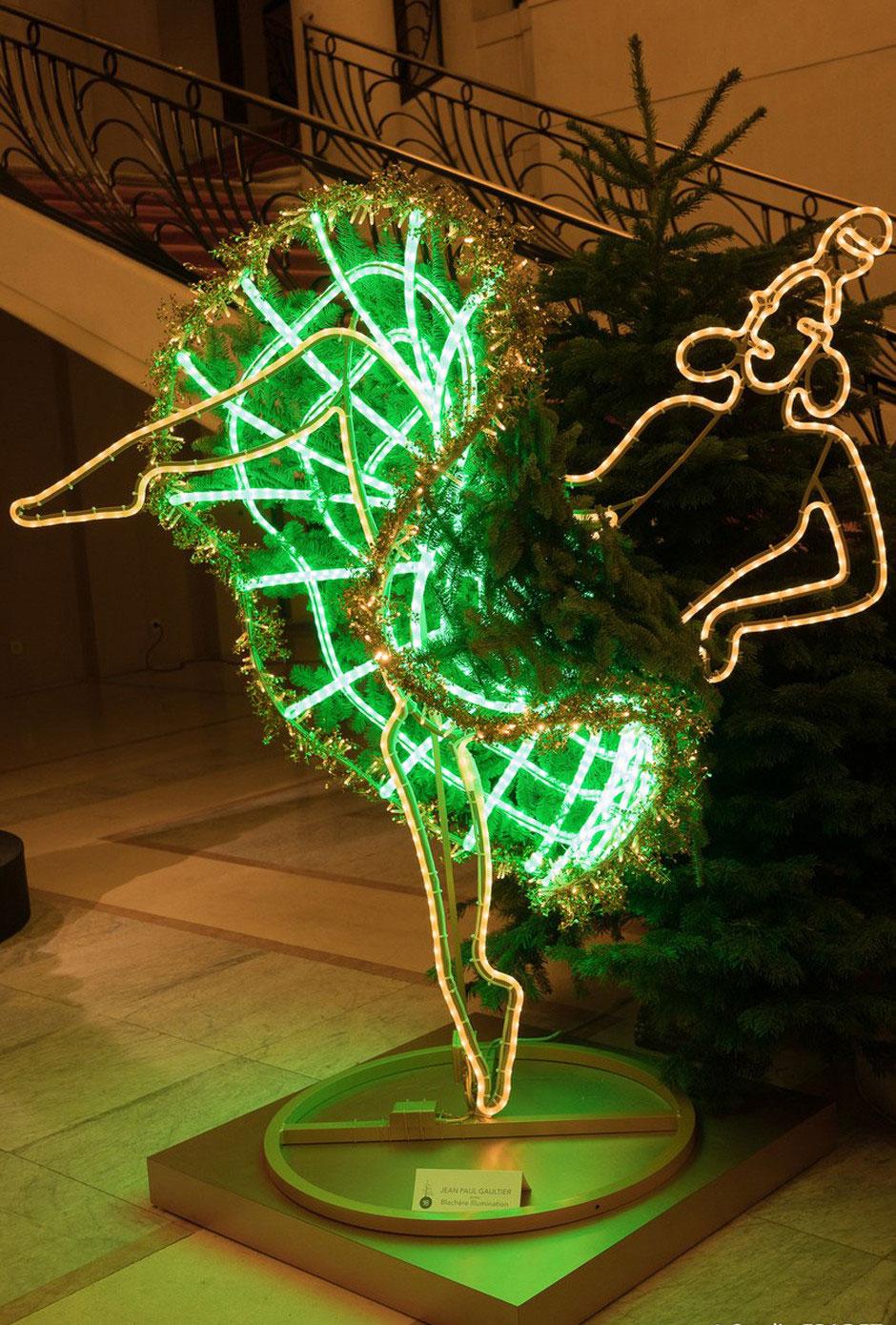 Новогодняя елка в Le Place d'Armes