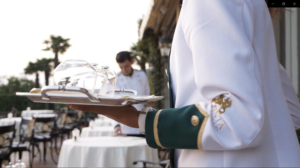 Униформа сотрудников отеля Airelles-Gordes